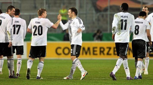 Молодежная сборная Германии сыграет на Евро-2015 / nachrichten.diamscity.com
