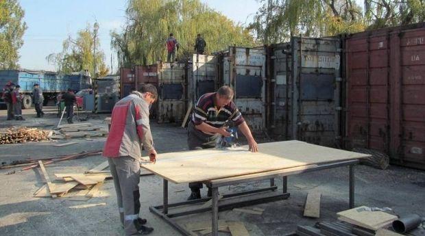 В Мариуполе работают круглосуточно