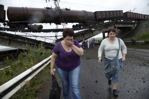 Взорванный железнодорожный мост над дорогой Славянск – Донецк – Мариуполь / Новости Донбасса