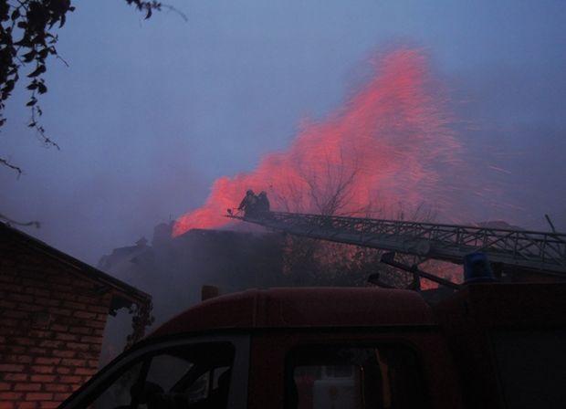 Пожар начался в 5.30 утра / фото mns.gov.ua