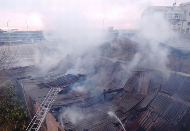 При пожаре сгорела крыша, личные вещи фото mns.gov.ua