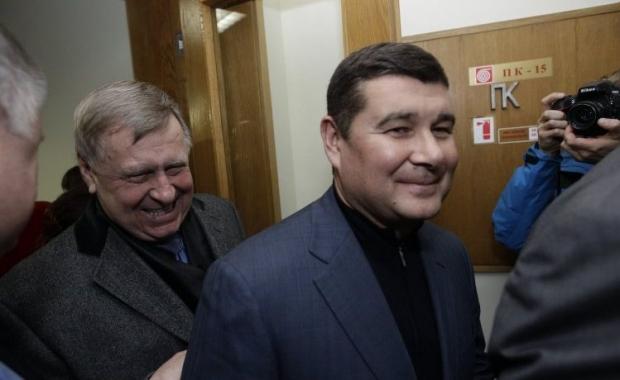 Онищенко поїхав з України / УНІАН