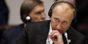 """Путин уверяет, что """"надавил"""" на """"Газпром"""" за долги Украины"""