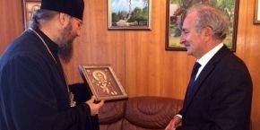 Управляющий делами УПЦ договорился о раздаче гуманитарной помощи из Болгарии для зоны АТО