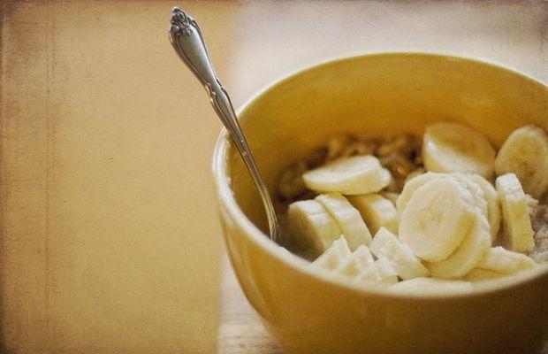 Начинать свой день лучше с тарелки каши / Фото: ImagesByClaire