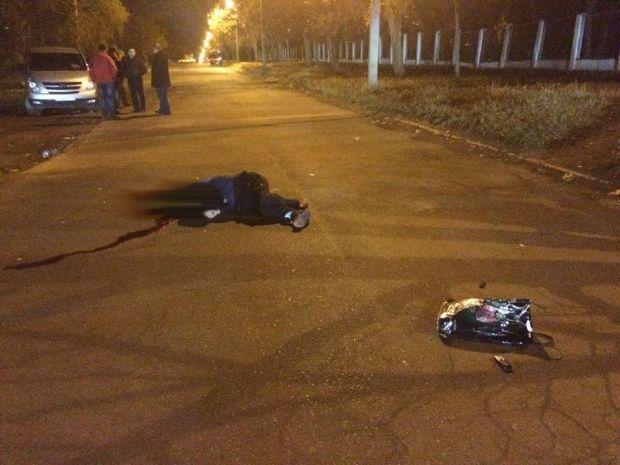 Улица Ньютона в Харькове, через 15 минут после боя / Юрий Бутусов