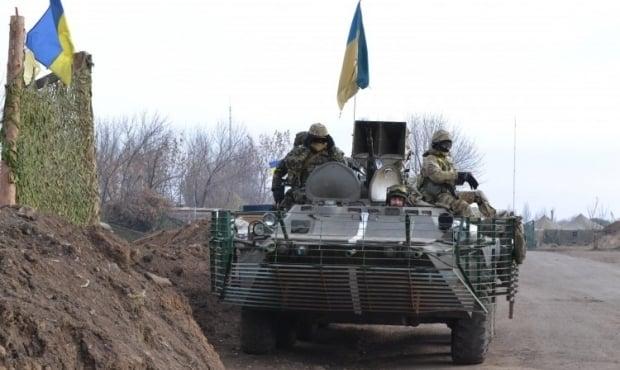 Посадовці крали паливо у військових / УНІАН