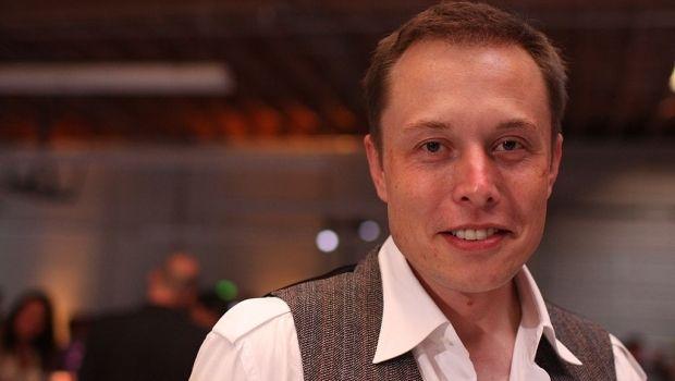 Элон Маск запустит 700 спутников / Wikipedia