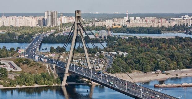Для громадського транспорту між Троєщиною та Петрівкою зроблять окрему смугу / dedmaxopka.livejournal.com