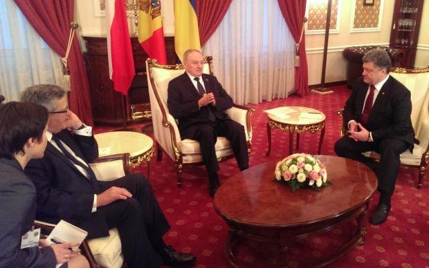 Президенты трех стран проводят встречу / фото @STsegolko