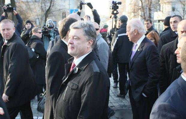 Байден и, Порошенко, Майдан / фото