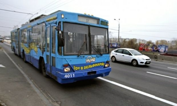 На Троещину открыли отдельную полосу для общественного транспорта
