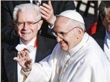 Папа римский прибыл в Турцию с миссией межрелигиозного примирения