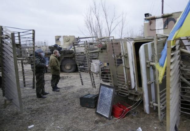 Украинские военные возле Крымского / УНИАН