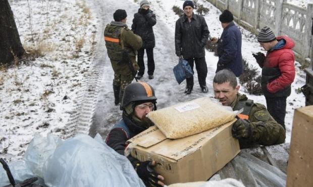 В два села удалось привезти гуманитарную помощь / УНИАН