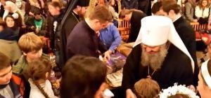 Праздник для детей-сирот в Киево-Печерской лавре: ангельские песни (видео) и подарки от наместника (фото)