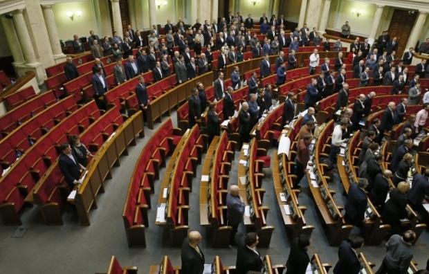 Руслан Демчак работает в Верховной Раде / Фото УНИАН