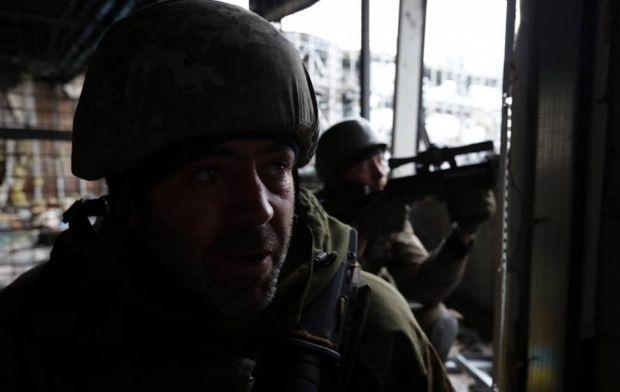 В донецькому аеропорту бойовики пустили газ / Украинская правда