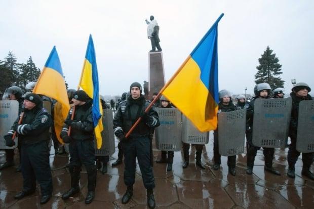 Міліція посилила охорону пам'ятника / Фото УНІАН