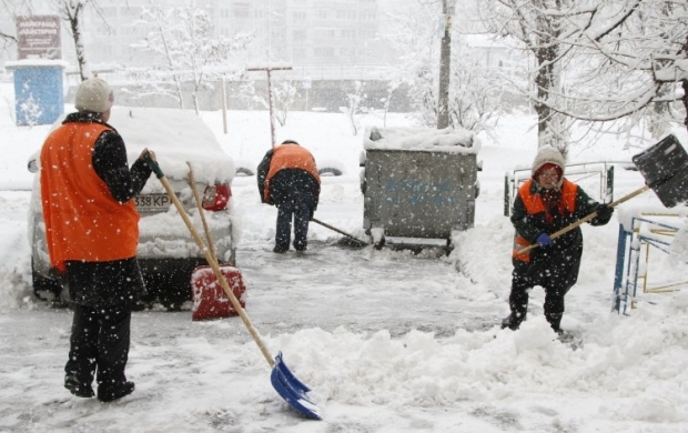 Киев замело снегом / Фото УНИАН