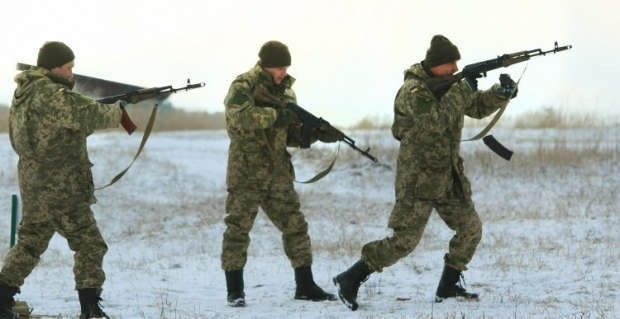 З початку року контракт із ЗСУ уклало вже майже 64 тисячі військовослужбовців / УНІАН