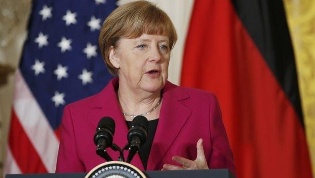Меркель: найближчі дні покажуть, хто