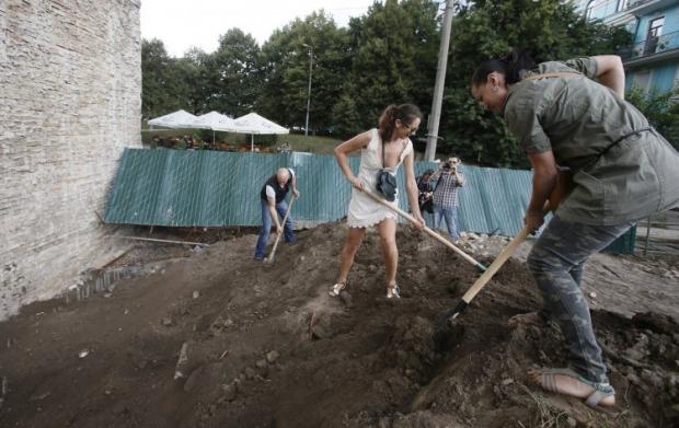 Строительство в десятинном переулке