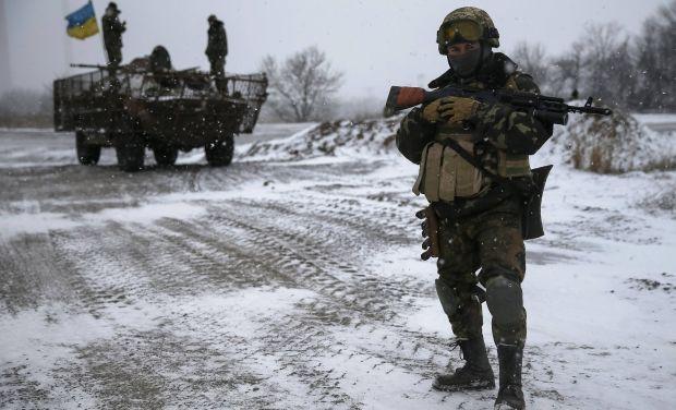 военнослужащие сил АТО / REUTERS