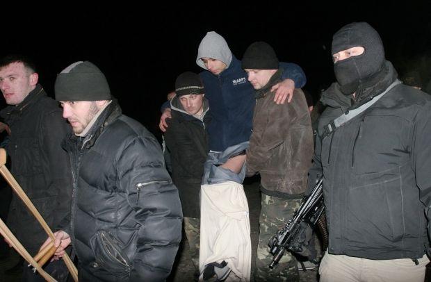 В плену боевиков находится 153 человека — Грицак