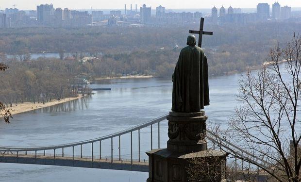 владимир князь памятник Киев / Wikimedia