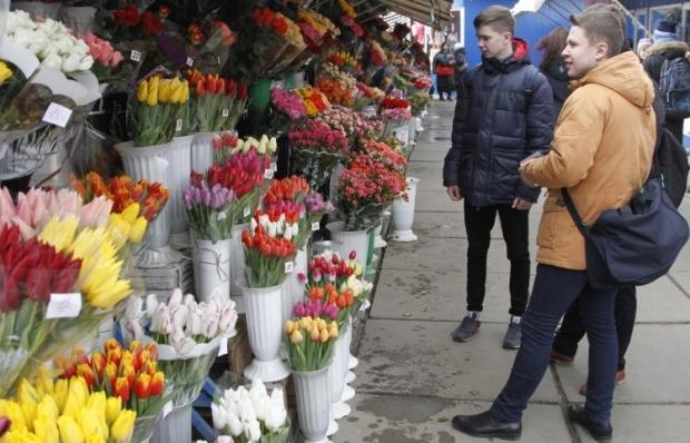 В СРСР 8 березня перетворилося на дарування квітів і подарунків