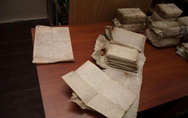 Документами, очевидно займався якийсь повстанський архівіст / cdvr.org.ua