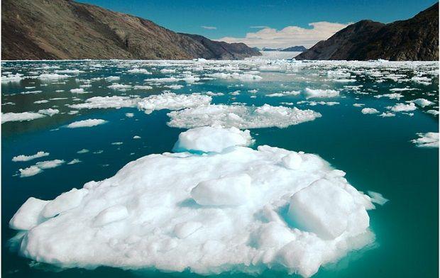Иллюстративная фотография: таяние ледников ускорилось  / snegidhi.com