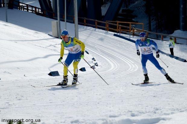 Павел Мандзюк (слева) с тремя медалями на данный момент является самым титулованным украиснким спортсменом на Сурдлимпиаде / invasport.org.ua