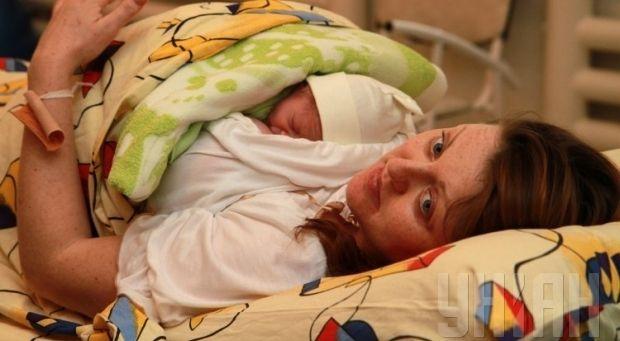 В Украине растет количество детей, рожденных вне брака / Фото: УНИАН