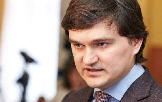 Valeriy Pisarenko: Ukraine should show some progress on reforms before asking West for money.