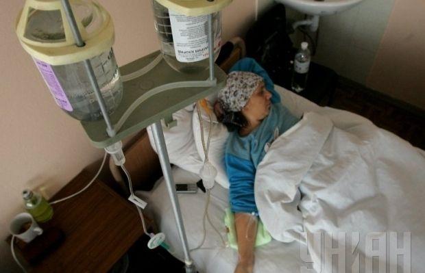 В Киеве возле железнодорожного вокзала произошел взрыв, пострадала женщина