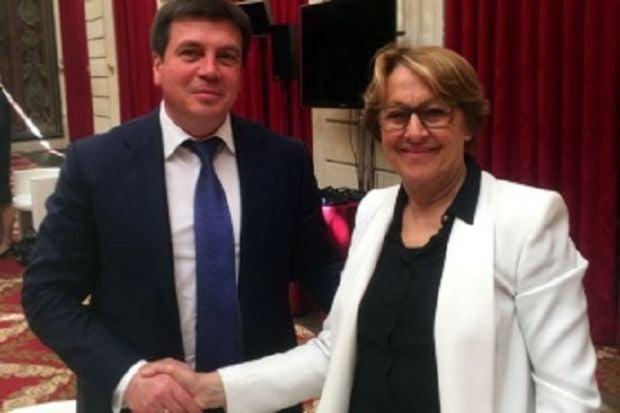 Зубко провів зустріч із міністром децентралізації Маріліз Лебраншу