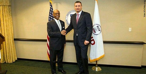 Кличко и USAID договорились бороться с коррупцией