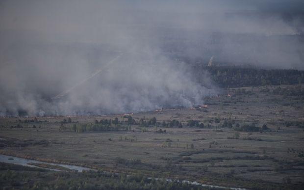 В Зоне отчуждения горят торфяники / kmu.gov.ua, mvs.gov.ua