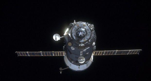 Знамя победы добралось до МКС раньше везщего его корабля / kosmos-x.net.ru