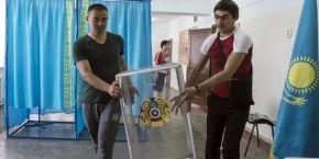 В Казахстане начались досрочные выборы президента