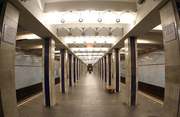 В метро умер человек