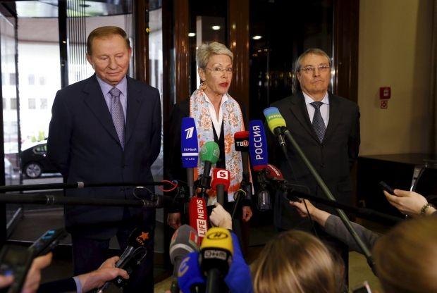 В Минске контактная группа подписала соглашение об отводе вооружений калибром менее 100 мм