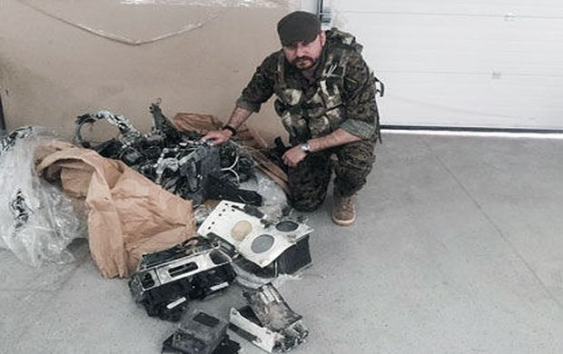 Nathan Khazin with parts of the downed Israeli-built Russian drone / Photo from 9tv.co.il