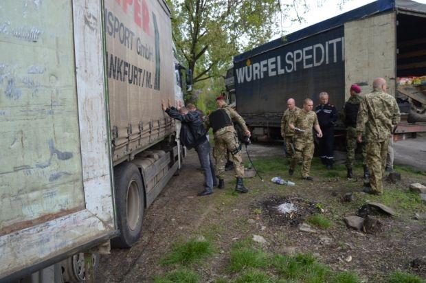 Після затримання фур-нелегалів Москаль зупинив рух транспорту