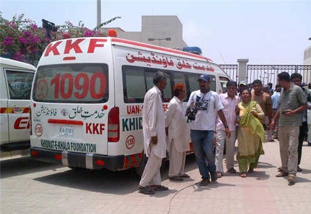 Более 40 человек погибло при обстреле автобуса в Пакистане / aljazeera.com