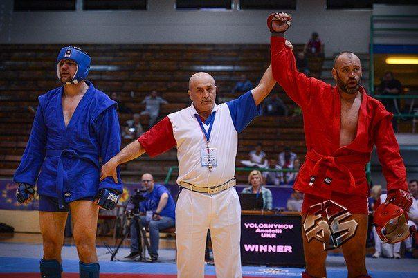 Анатолий Волошинов стал чемпионом Европы в весовой категории 100 кг.