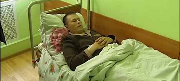 Russian sergeant Aleksandrov, captured by Ukrainian troops in Donbas, is now in Ukrainian hospital / Photo from UNIAN