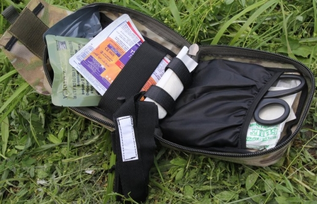 Индивидуальная аптечка, укомплектованная по современным военным стандартам, для военнослужащих / Фото: УНИАН